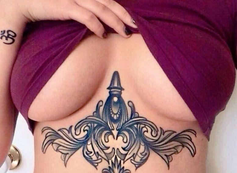 Underboob #tattoo – женские тату под грудью
