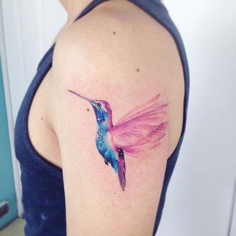 Акварельные татуировки тату-художника Adrian Bascur, фото колибри
