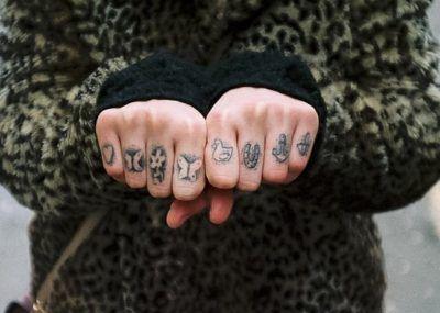 Тату на пальцах изображения
