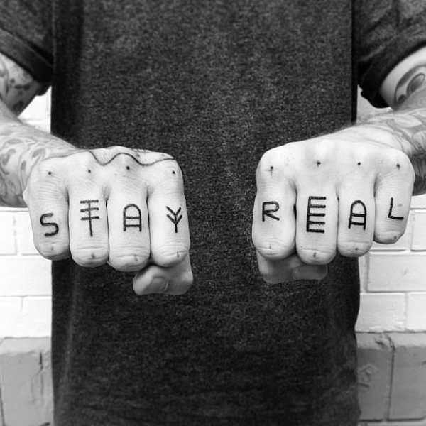 фото тату на пальцах on-tattoo руны