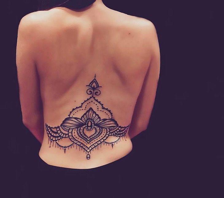 Татуировки в стиле Мехенди фото каталог тату для девушек спина