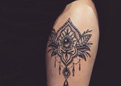Татуировки в стиле Мехенди фото каталог тату для девушек