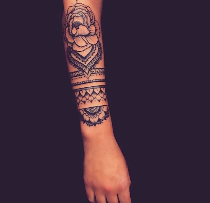 Татуировки в стиле Мехенди фото каталог тату для девушек рукав