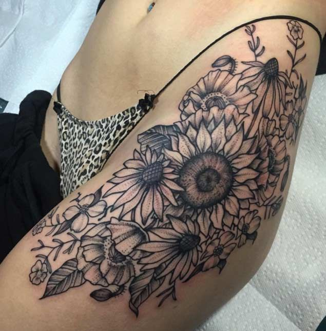 on-tattoo-ru цветы на бедрах фото татуировок каталог подсолнух