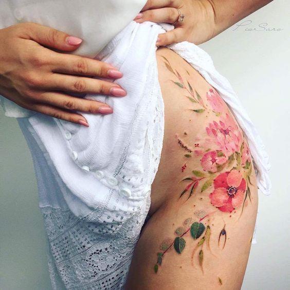 on-tattoo-ru цветы на бедрах фото татуировок каталог ботаника