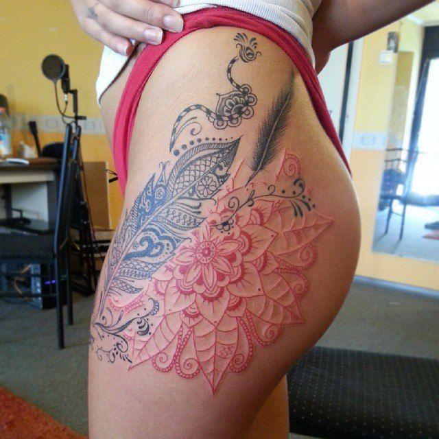 on-tattoo-ru цветы на бедрах фото татуировок каталог мандала