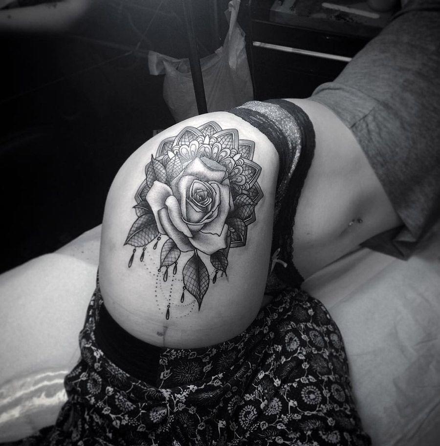 on-tattoo-ru цветы на бедрах фото татуировок каталог