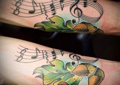 татуировка дуба