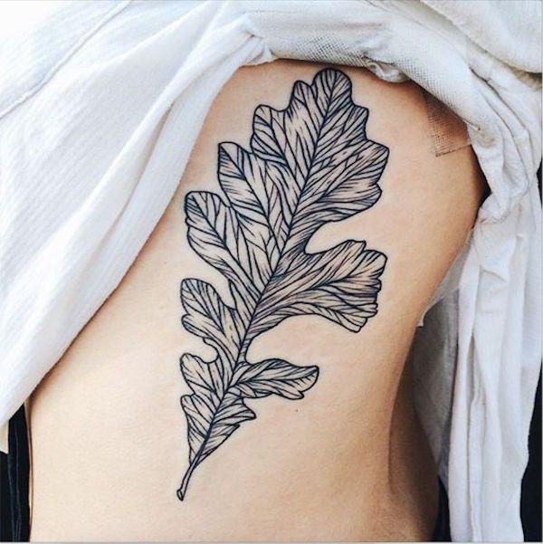 татуировка дуб лист