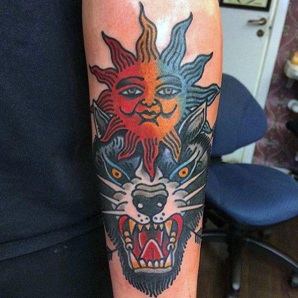 Олдскул тату Солнце и Волк