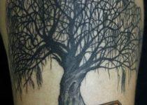 тату деревья ива на ноге
