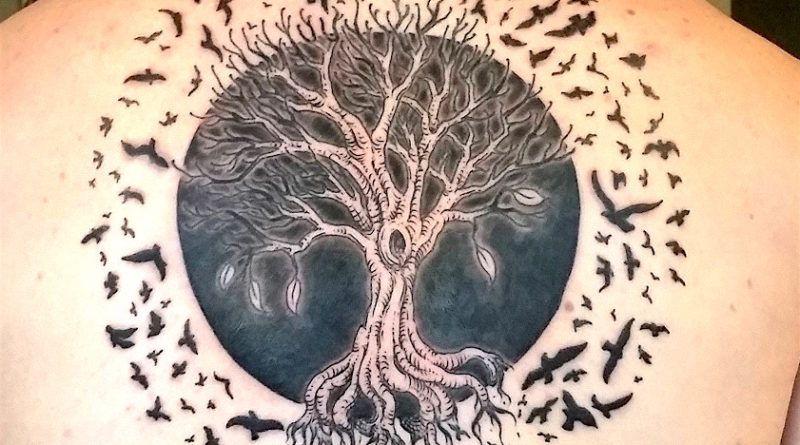 значение татуировок с деревьями