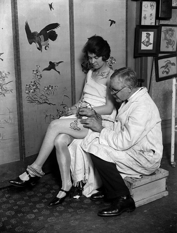 Kickass snake tat, 1928