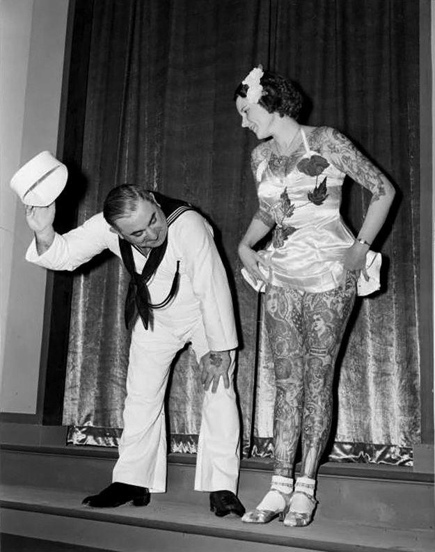 Бетти Бродбент, знаменитая татуированная леди, на Всемирной ярмарке в Нью-Йорке, 1930-е годы
