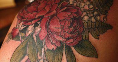 Цветочные татуировки от Элис Кэрриер