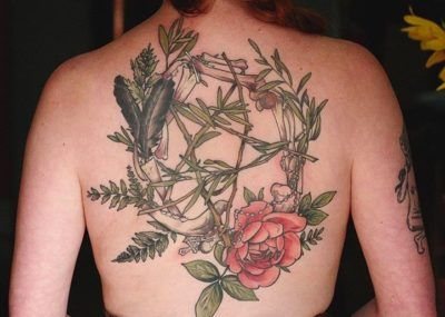 Тату цветы на спине