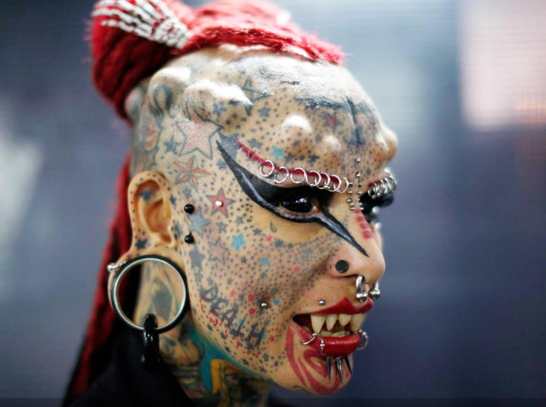 body-modification тату на лице