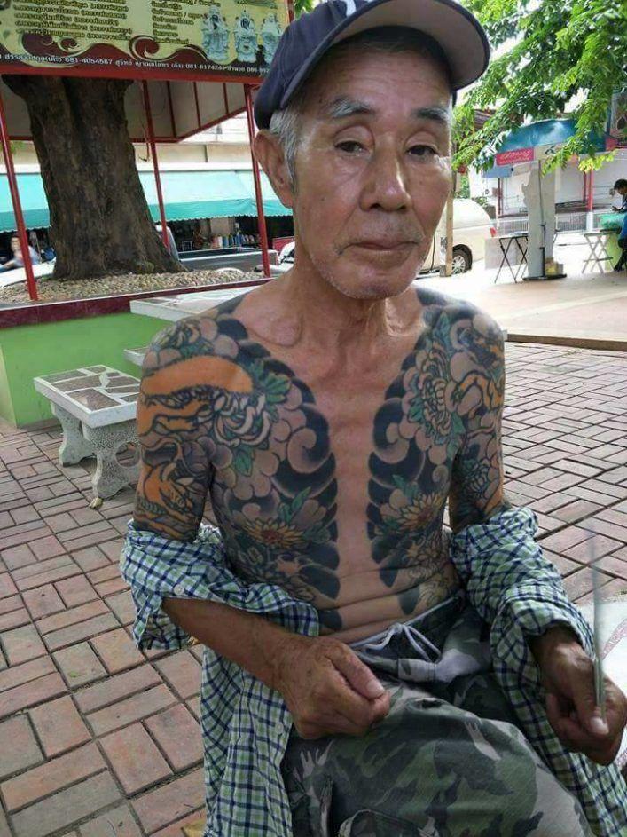 член Якудза с татуировками