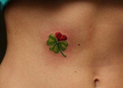 клевера в татуировках