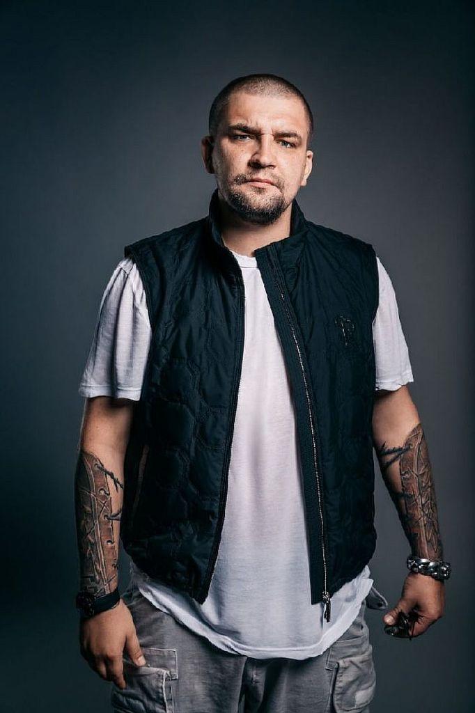 татуировок на руках Басты