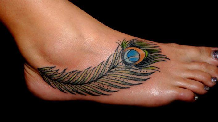 в татуировках