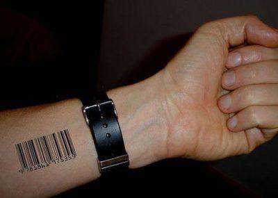 татуировки в виде штрих кода