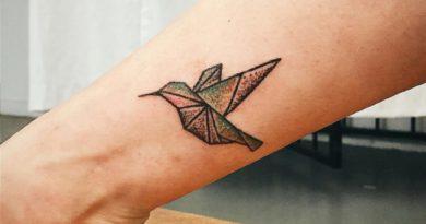 Названы лучшие тату-символы одиночества