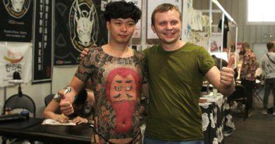 Показаны самые крутые татуировки этого сезона на BaikalTattooFest II