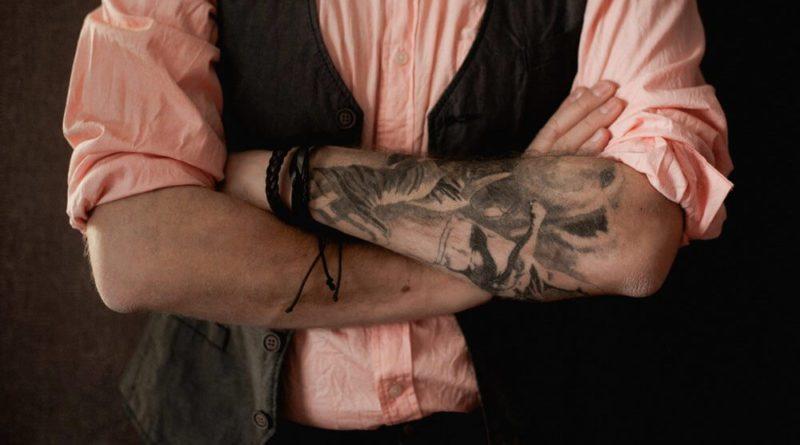 Учёные рассказали, чем могут быть опасны татуировки