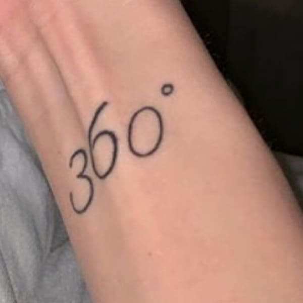 Тату Насти Ивлеевой 360