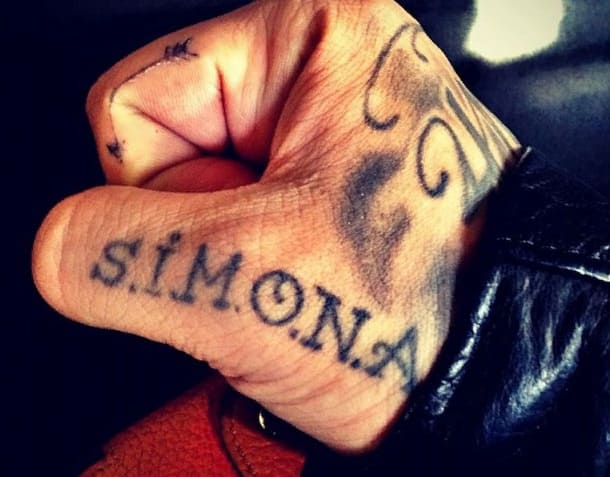 Тату Тимати Симона на руке