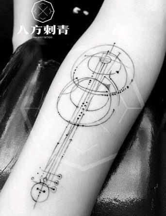 Тату гитара геометрия