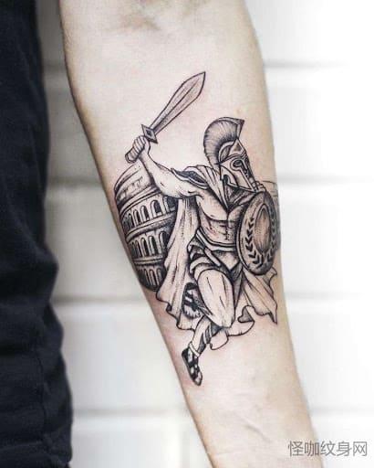 Тату гладиатор с мечом