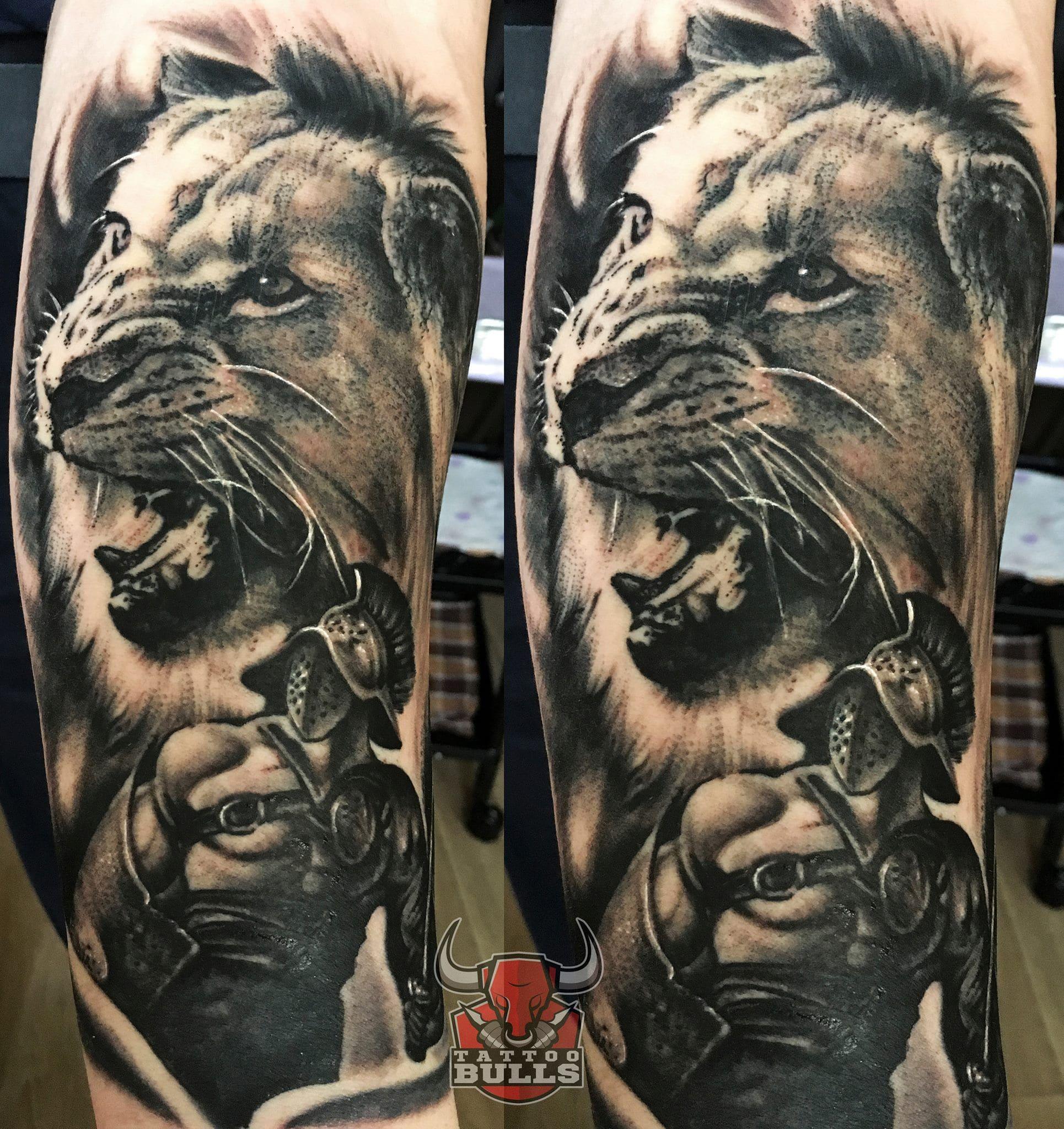Тату гладиатор и лев